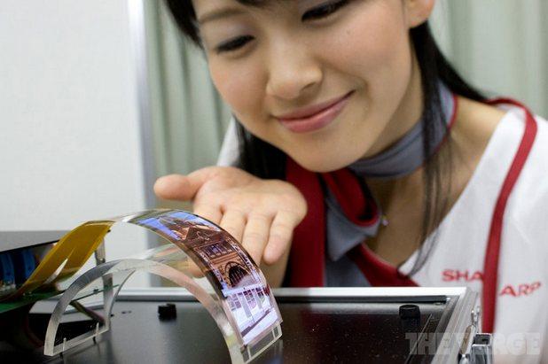 Sharp се подготвя за новото поколение iPhone с производствена линия за OLED панели