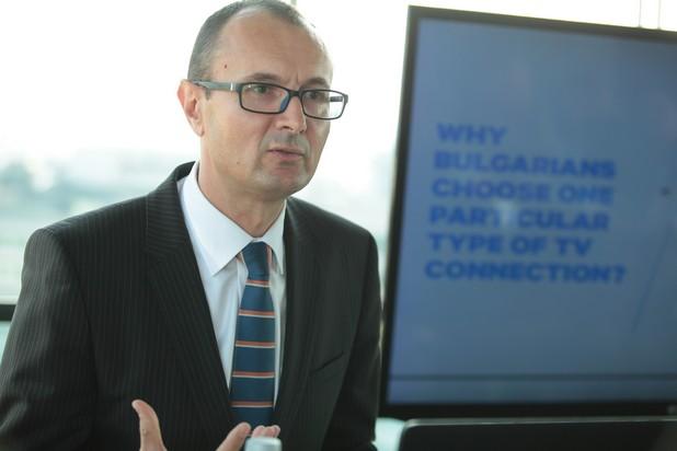 """""""Българският пазар се развива и е силно конкурентен. Повечето от зрителите днес имат достъп до повече от един телевизионен доставчик и могат да избират по-високото качество и по-големият брой достъпни ТВ канали"""", заяви Михай Урсои, генерален мениджър на ASTRA за Румъния, България и Молдова"""