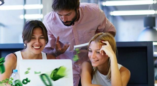 Средно 65% от служителите са ангажирани с бизнеса на компанията, в която работят