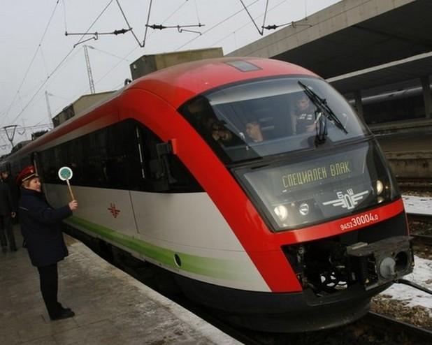 Всички жп гари у нас вече ползват онлайн система за покупка на билети