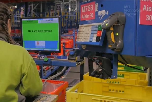 Бизнесът на Ocado е по природа такъв, че роботите в крайна сметка ще се окажат предпочитани спрямо човеците