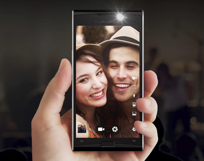 Смартфонът Lumigon T3 е способен да снима през нощта, благодарение на инфрачервени светодиоди