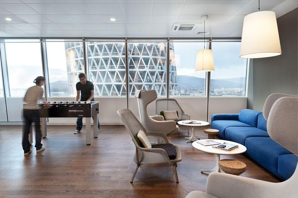 Дизайнът на офиса на Paysafe е дело на софийското студио Cache Atelier