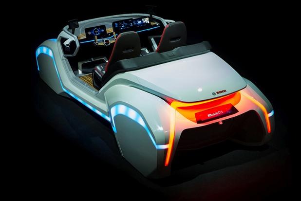 Концептуалният свързан автомобил на Bosch, показан на CES 2017