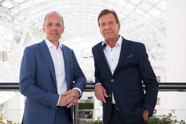 Ян Карлсън, изпълнителен директор на Autoliv, и Хакан Самюлсън, изпълнителен директор на Volvo Cars, се споразумяха за създаване на съвместна компания Zenuity